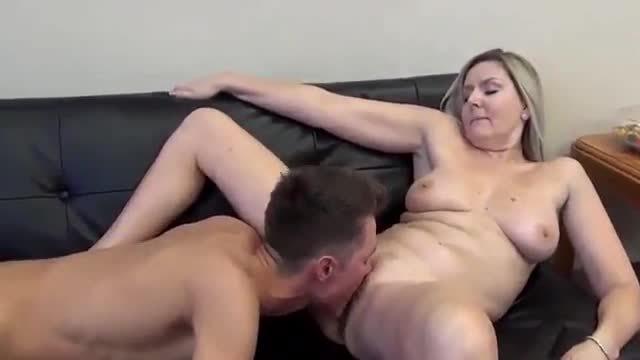 Porno free mom